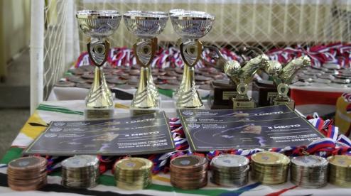Федерация футбола Первоуральска наградила более 350 призеров сезона 2018-2019