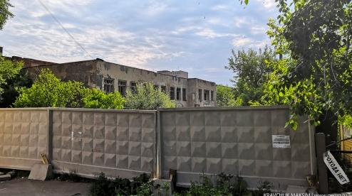 Определился подрядчик, который снесет заброшенное здание в центре Первоуральска