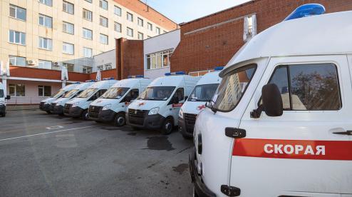 Губернатор передал Первоуральску машины скорой помощи