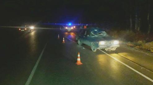В аварии под Первоуральском погиб неизвестный мужчина. Он шел пешком по трассе