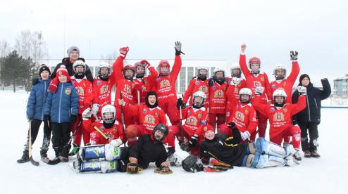 Юные хоккеисты из Первоуральска сыграют на Красной площади
