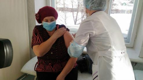 Больше двух тысяч первоуральцев поставили прививку от коронавируса