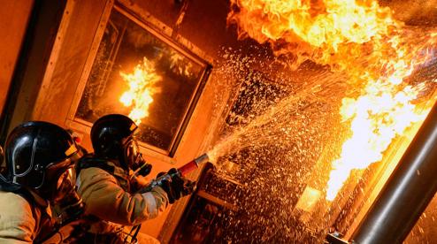 В Билимбае из пожара спасли двух детей и троих взрослых