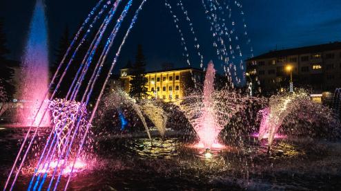 Городской фонтан Первоуральска выходит из зимней спячки