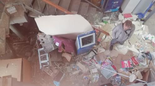 В Первоуральске из взорванного банкомата преступники забрали 3 млн рублей