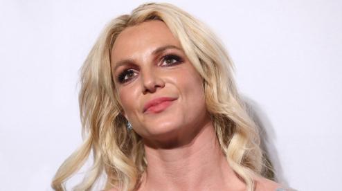 Бритни Спирс извинилась перед фанатами за ложь