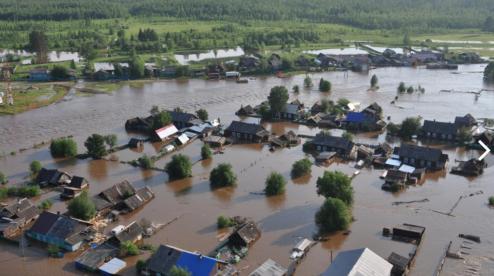В Свердловской области из-за прорыва плотины затопило село