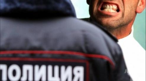 Первоуральца арестовали за нецензурную брань в подъезде
