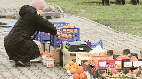 Глава Первоуральска отменил постановление о торговле с рук, лотков, автомашин