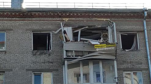 Три человека пострадали при взрыве бытового газа в многоэтажке в Барнауле