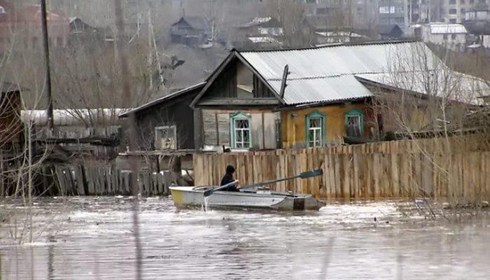 Спасатели и чиновники навестили жителей, чьи дома находятся в зоне риска затопления