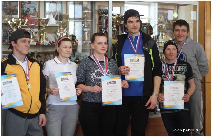 Соревнования по настольному теннису прошли среди людей с ограниченными возможностями