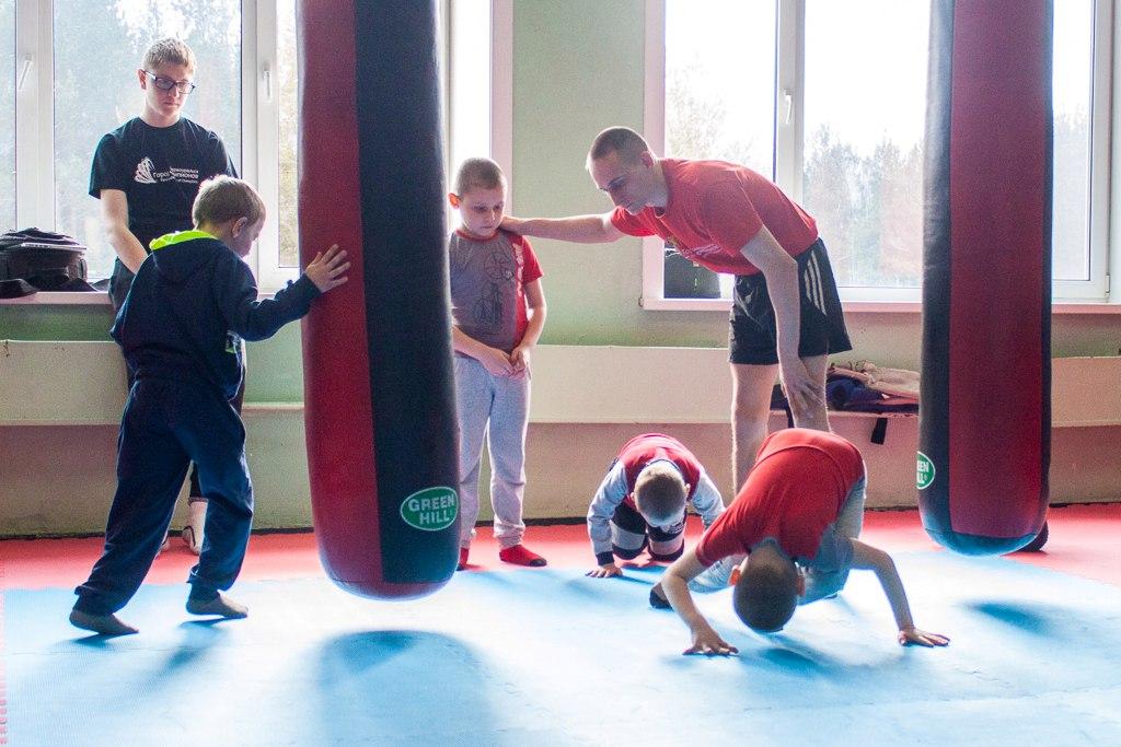 «Первоуральск — город чемпионов» запускает бесплатные тренировки по боксу для особенных детей
