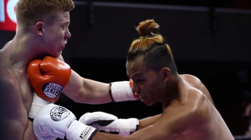 Марк Урванов одержал досрочную победу над филиппинским боксером