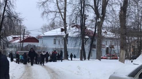 После капремонта  в Первоуральске обрушилась стена жилого дома