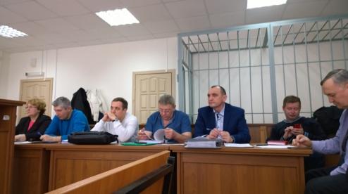 Семерых жителей Первоуральска судят за кражу труб с ПНТЗ